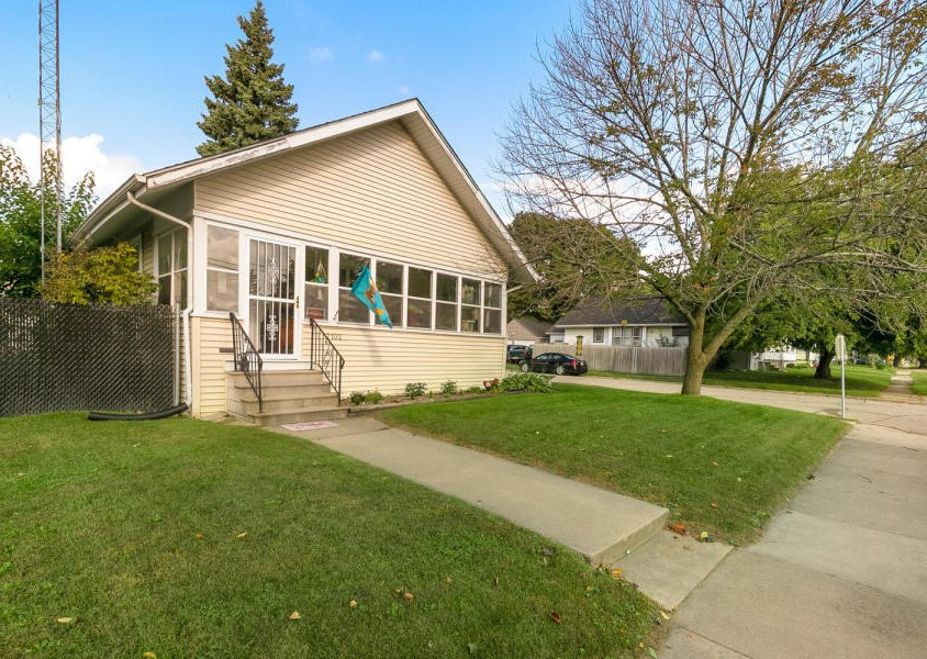 7102 14th Ave. Kenosha, WI 53143